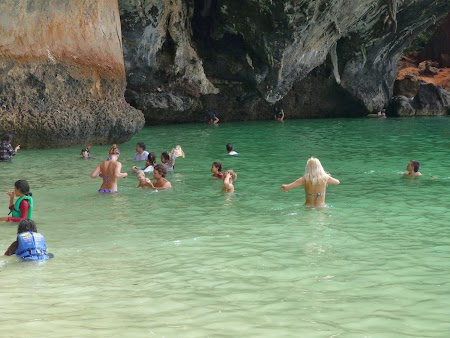 Plaja Thailanda: Apa verde in Railay
