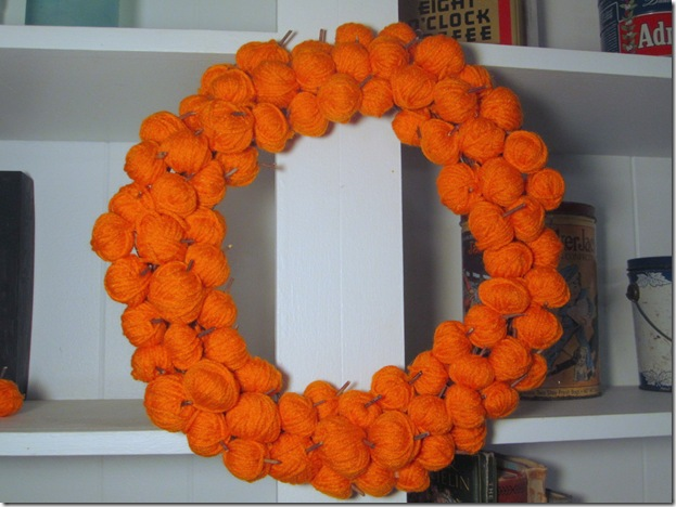 Fall Wreath With Yarn Pumpkins
