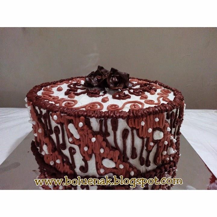 Toko Kue Bolu Enak Batik Wedding Cake