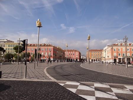 20. Piata centrala din Nice.JPG