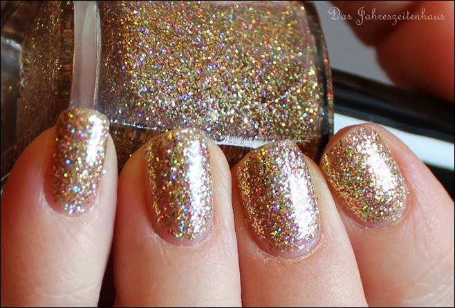 Gold Color Club Unter The Mistle Toe Collection Gingerbread 10