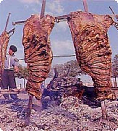 Un viaggio alla scoperta dei sapori, dei profumi e delle dolcezze tipicamente argentini: l'asado e il mate.