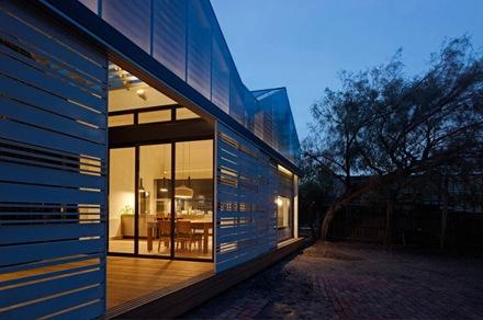 reduccion-de-una-casa-make-architects