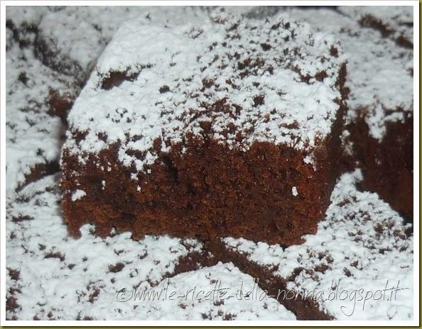 Brownies vegan al cacao con composta di pera e mela (10)