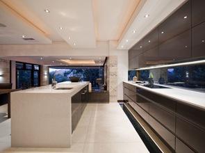 cocina de lujo estilo minimalista