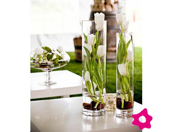 Centros de mesa con flores sumergidas en agua - Frutas artificiales para decoracion ...