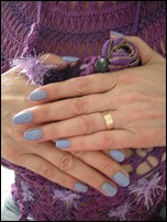 light violet nails
