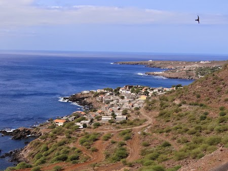 27. coasta vestica a insulei Santiago.JPG