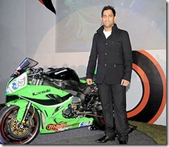 dhoni-with-super-bike-mahi-racing