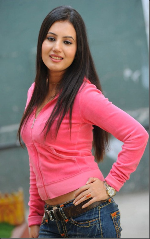 Anu Smirthi Photo Shoot Stills