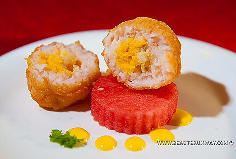 OLD HONG KONG LEGEND CHINESE NEW YEAR LO HEI 2013 MENU CANTONESE RESTAURANT signature Hong Kong nostalgic dishes legendary culinary expertise.golden salted egg yolk prawn paste flavoured fresh flower crab claws mango OPEN 365 DAYS
