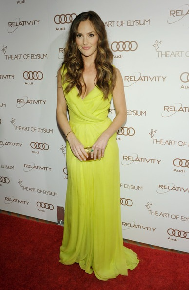 Minka Kelly arrives at the 2012 Art of Elysium Heaven Gala