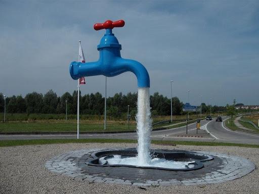 magic-founain-6 & Magical Floating Faucet Fountains | Amusing Planet
