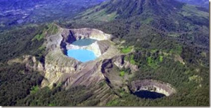 kelimutu Indonesia volcanic Lakes three colours 12