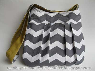 gray and yellow chevron pleated bag (12)