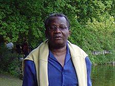 Paul Inongo dans un jardin public à Munich en Allemagne