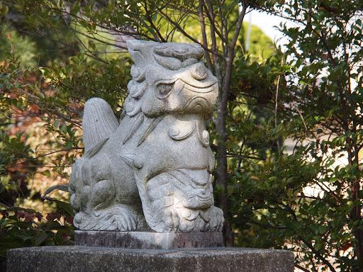 [写真]益子鹿島神社内の八坂神社のこま犬