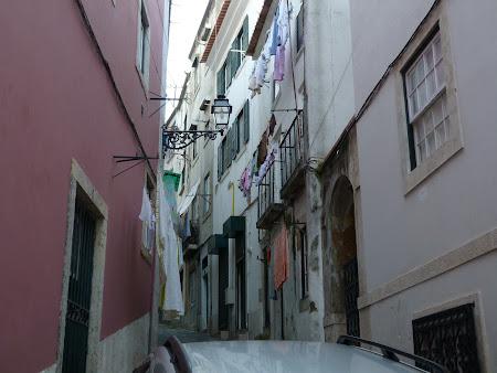 Obiective turistice Lisabona: Strazile din Alfama