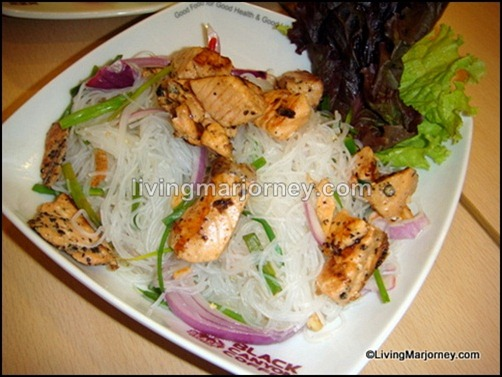 Spicy Glass Noodles and Grilled Salmon Salad (Yam Woon Sen Salmon) P188