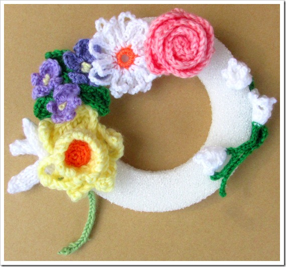 Tamdoll Flower of the Month Wreath