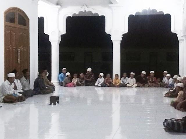 Sambut Kelahiran Nabi dengan Maulid al-Barzanji