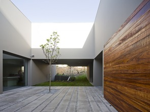 arquitectura revestimiento madera en quinta patino frederico valsassina