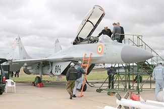 20110727-Indian-Navy-MiG-29-K-MiG-29-KUB-08
