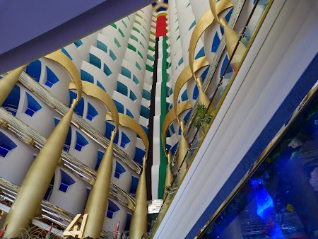 18. Interior Burj al Arab.JPG