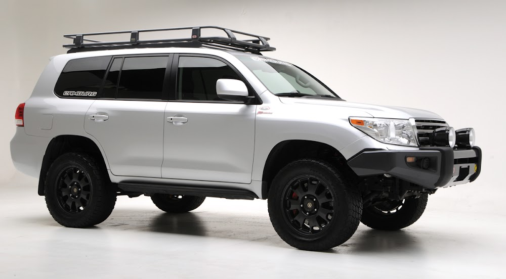 Toyota Land Cruiser 200 series 4x4 Lift Kit Suspension