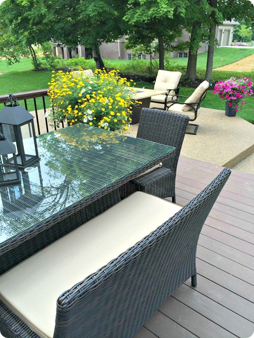 wicker outdoor furniture