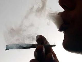 Un fumeur du chanvre. Photo 24heures.ch