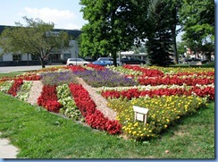 4231 Indiana - Goshen, IN - Lincoln Highway  (Main St)(US-33) - Quilt Garden 'Whirlwind Flag' at Elkhart County Courthouse