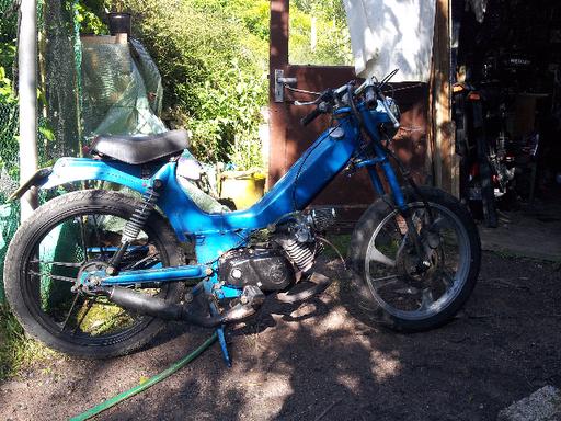 Mopeds at dawn: Tomos disk brake