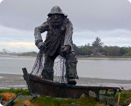 FISHERMAN'S MEMORIAL STATUE