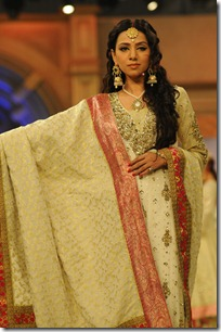 Obaid-Sheikh-at-Bridal-Couture-Week-2012-Mastitime247