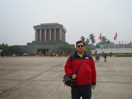 08. Ho Chi Minh Mausoleum - Hanoi.JPG