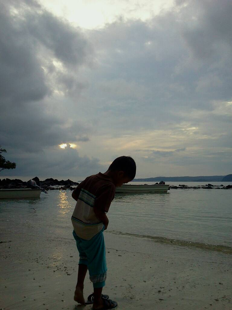 Kemping di Pulau Rubiah (dua)