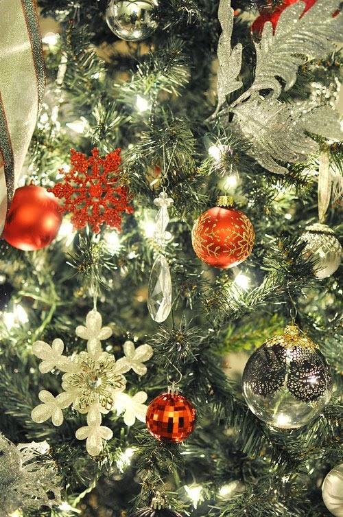 Holiday Decor via Monica Wants It #TXSocial