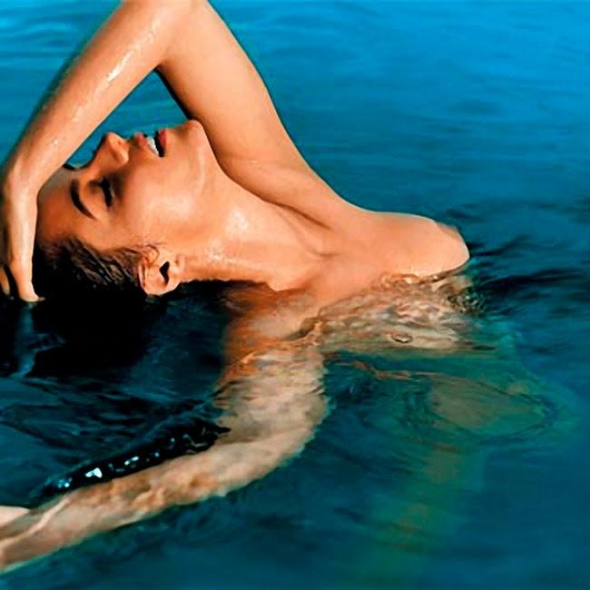 Ana Lucia Dominguez Desnuda Foto 3