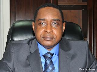 Jean Elongo, directeur général de la Direction générale des recettes administratives, judiciaires et domaniales (DGRAD), août 2011