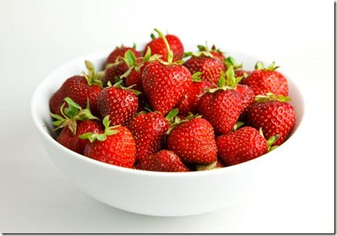 Bowl of Strawberries 500