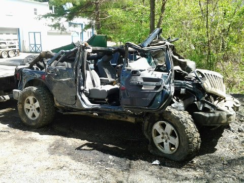rubicon4wheeler: 3 People Survive a Severe Rollover Accident in ...
