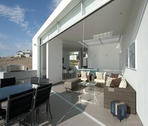 moderna casa en la playa