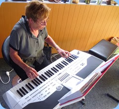 Yvonne Moller playing her Korg Pa1X - all the way from Ramarama!