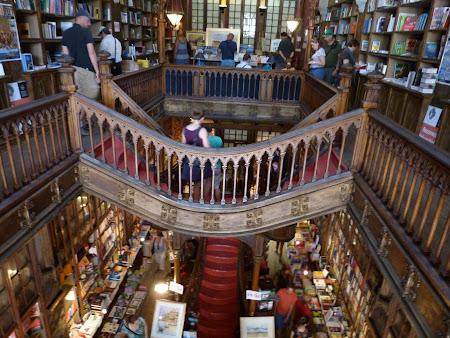 Obiective turistice Porto: Libraria Lello, cea mai frumoasa librarie din lume