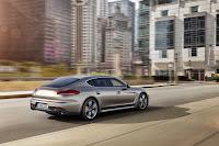 Porsche-Panamera-Turbo-S-03.jpg