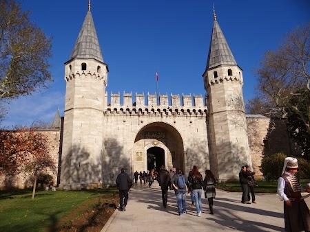 Obiective turistice Istanbul: Topkapi - intrare