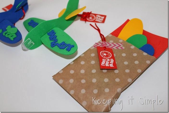 easy-valentine-kids-crafts #orientaltrading (16)