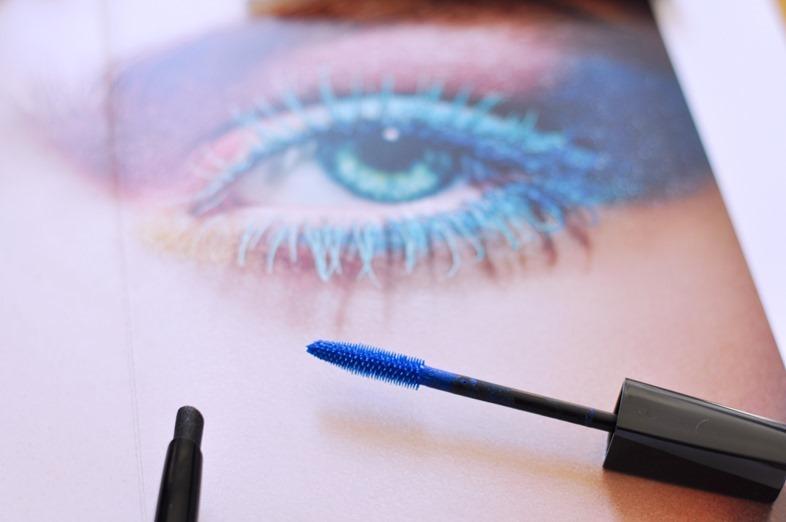 mascara blu di chanel