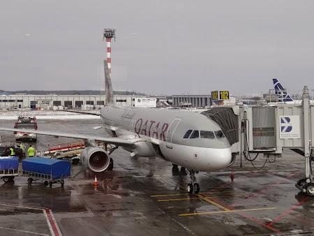 34. Qatar Airways - Otopeni.JPG